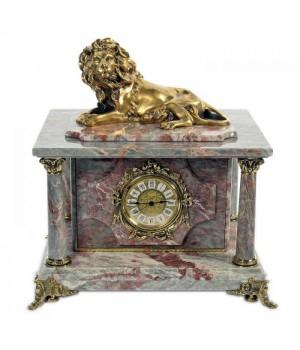 Часы-сейф из серо-красного мрамора с львом