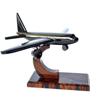 Самолет из обсидиана СМ-005